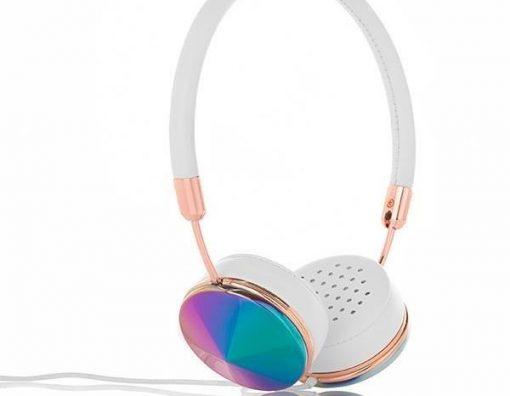 headset-600x466
